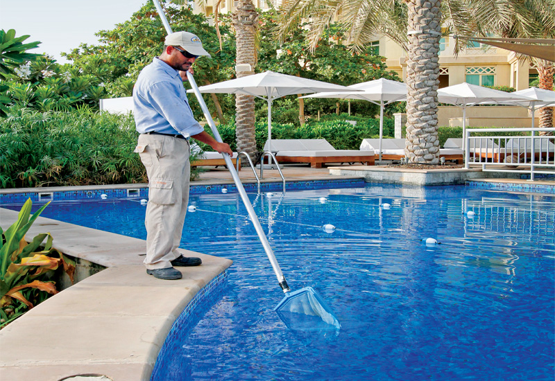 pool cleaning specialist